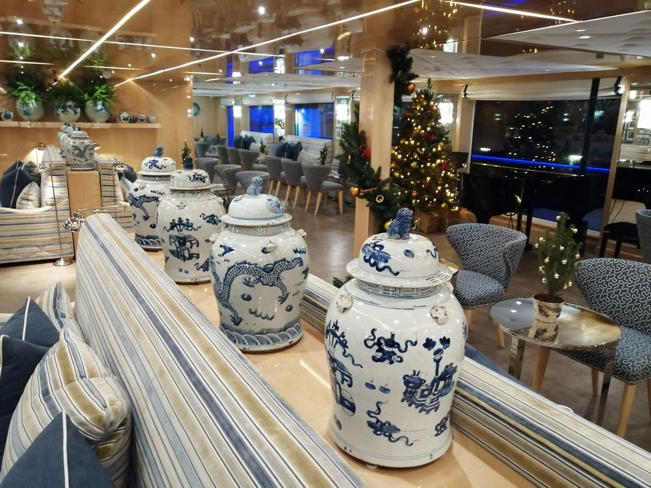 Wolfgang's Lounge, SS Beatrice, Uniworld Boutique River Cruises