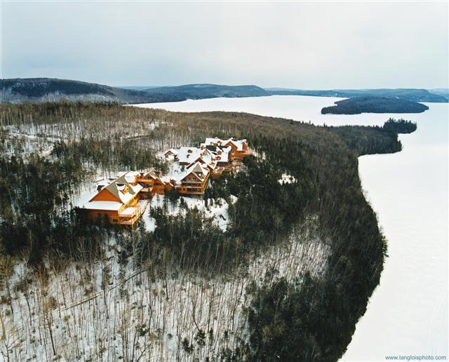 Sacacomie Lodge in winter
