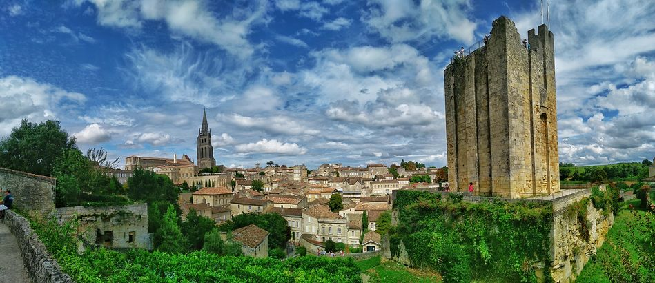 Saint-Émilion, from Libourne