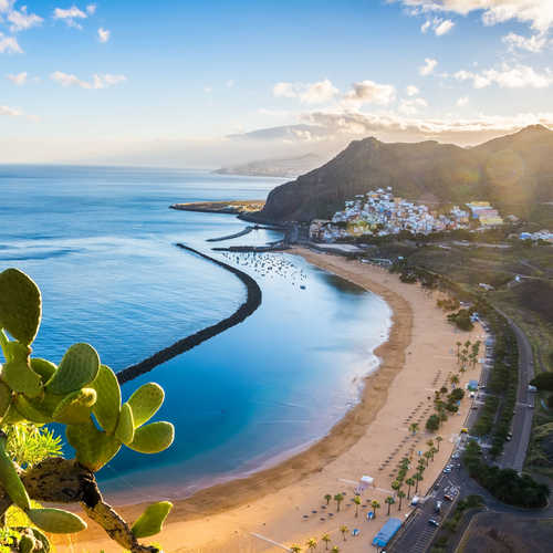 Winter sun breaks to the quarantine-free Canaries