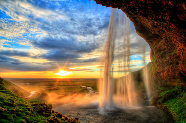 You can walk behind the waterfall of Seljalandsfoss