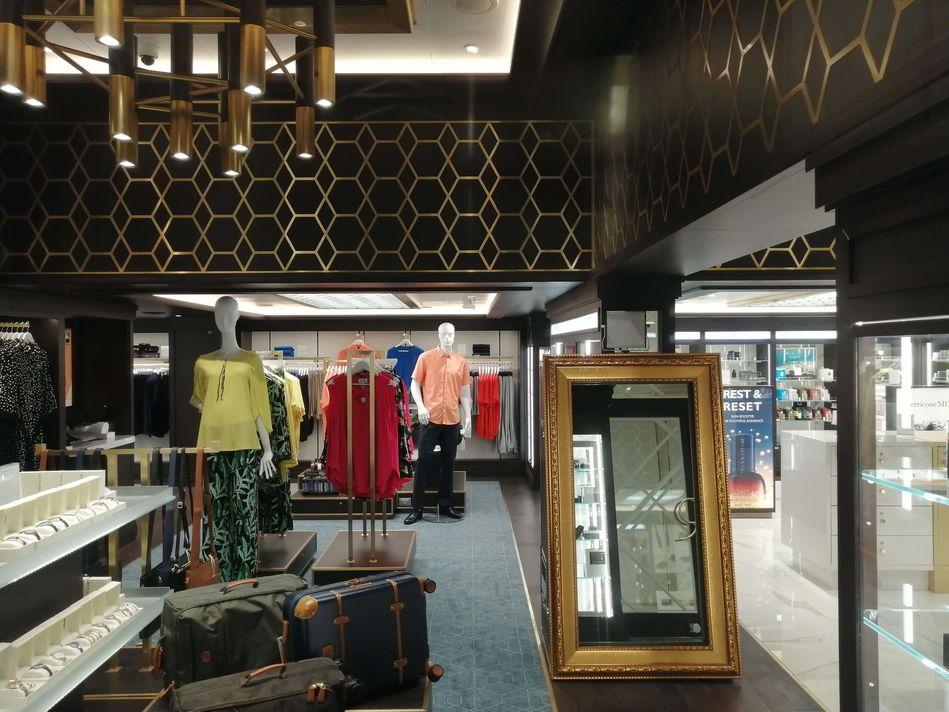 Seven Seas Splendor Gift Shops
