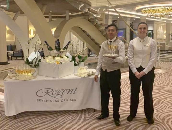 Welcome champagne, Seven Seas Splendor, Regent Seven Seas Cruises