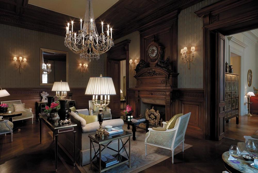 Shangri-La, Paris lounge