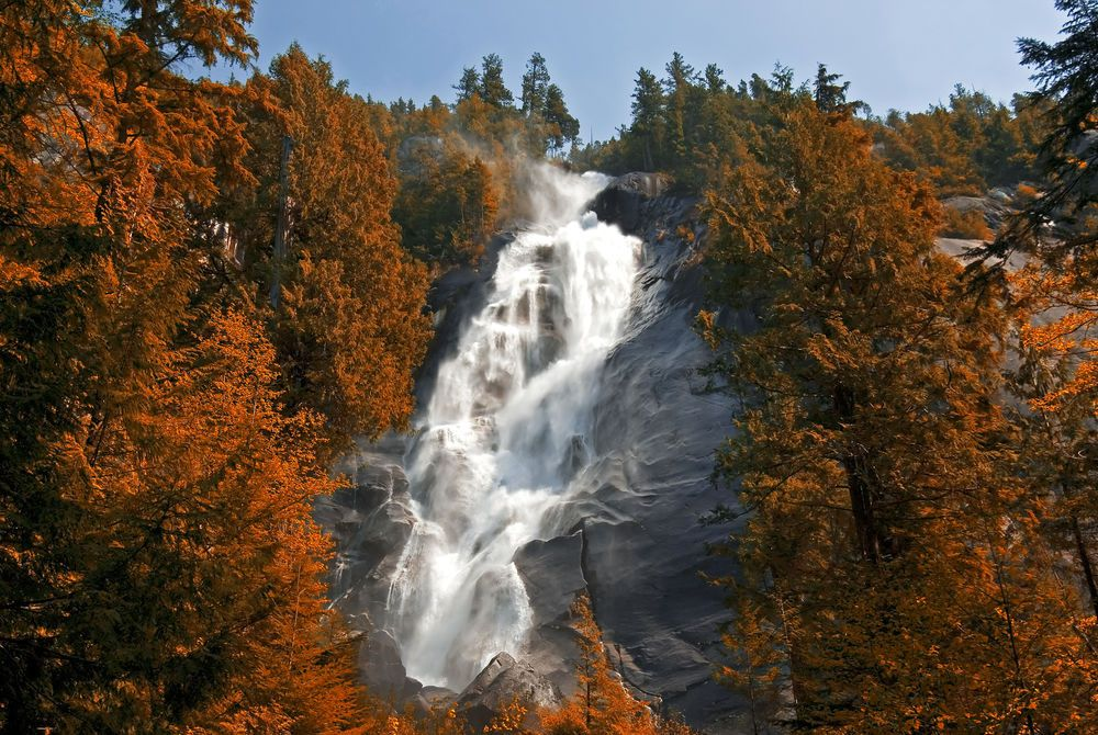 Shannon Falls, Whistler, Canada