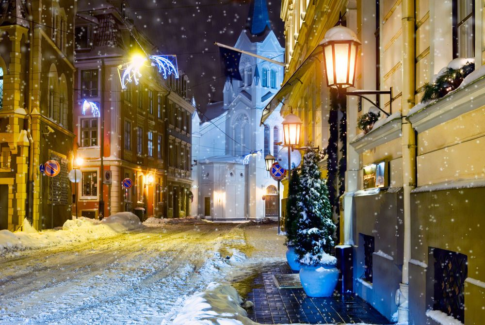 Side streets of Riga in the snow
