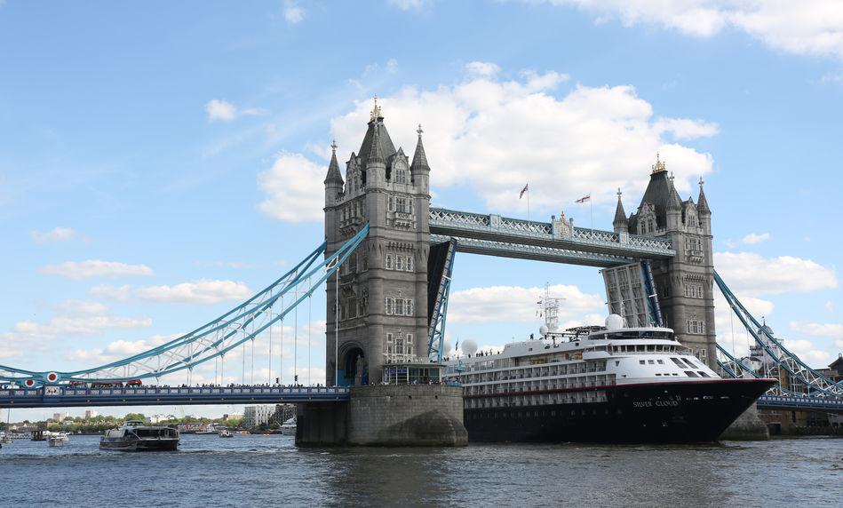 Silver Cloud at Tower Bridge London