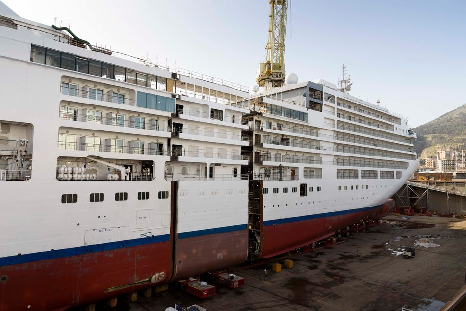 Silversea Silver Spirit ship being lengthened