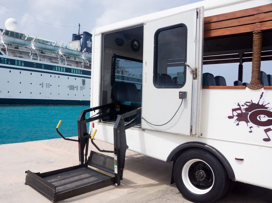 Silversea Accessible Shore Excursion in Aruba with bus lift