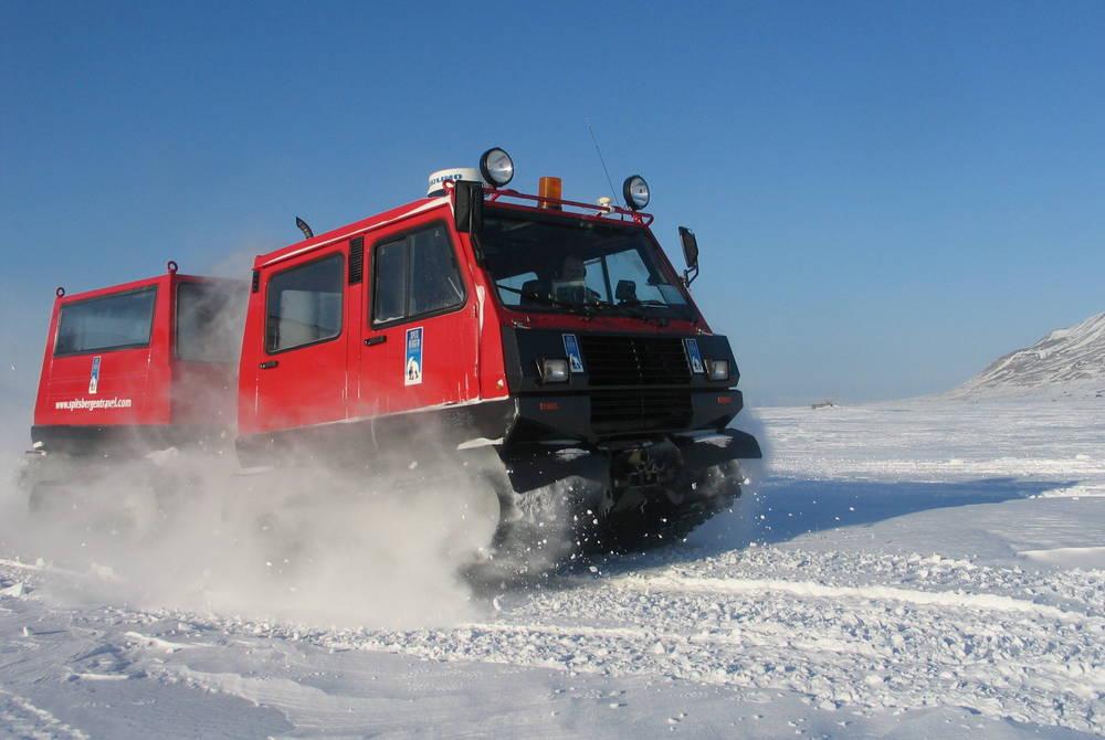 Snowcat (Credit: Tore Hoem/Hurtigruten Svalbard)