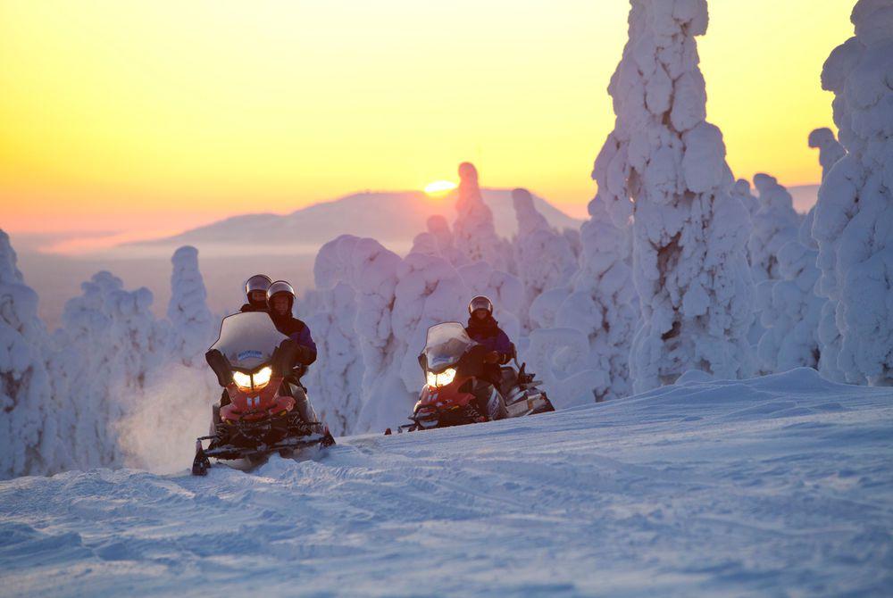 Snowmobile Safari, Santa's Hotel Aurora