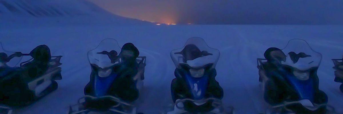 Snowmobiling in Svalbard as a beginner