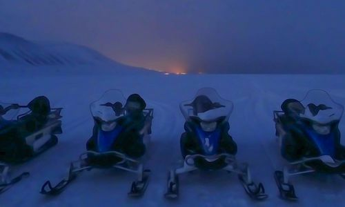 Snowmobiling in Svalbard as a beginner