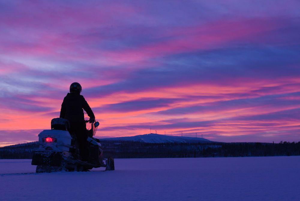 Snowmobiling, Hotel Harriniva, Finnish Lapland
