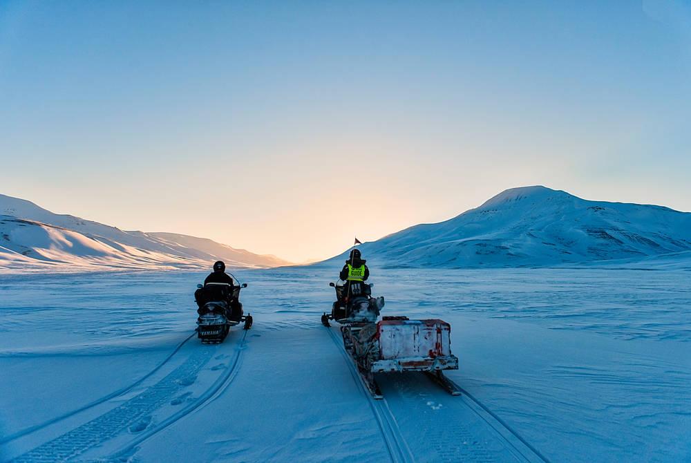 Snowmobiling (Credit- Agurtxane Concellon, Hurtigruten Svalbard)