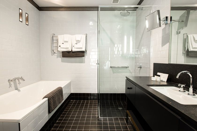 Spicers Balfour Hotel Room Bathroom