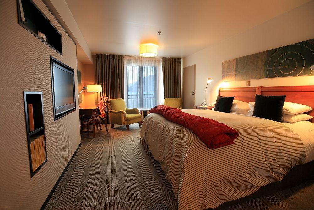 St Moritz Queenstown room, New Zealand