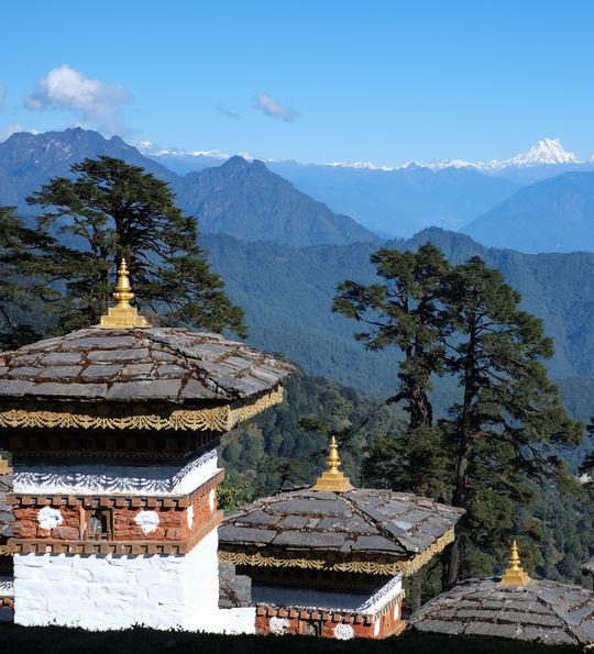 Stupas at Dochu La Pass