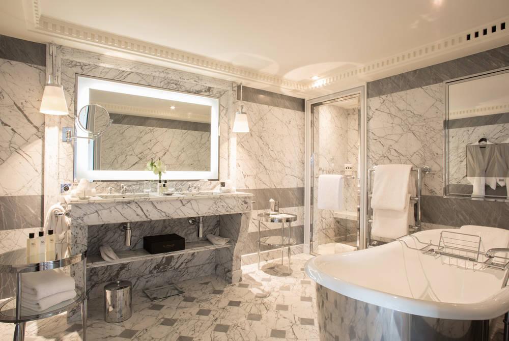 Marble bathroom, La Réserve