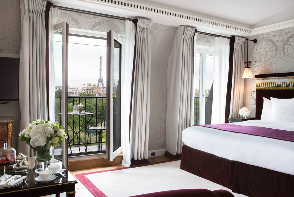 Suite with Eiffel Tower view, La Réserve