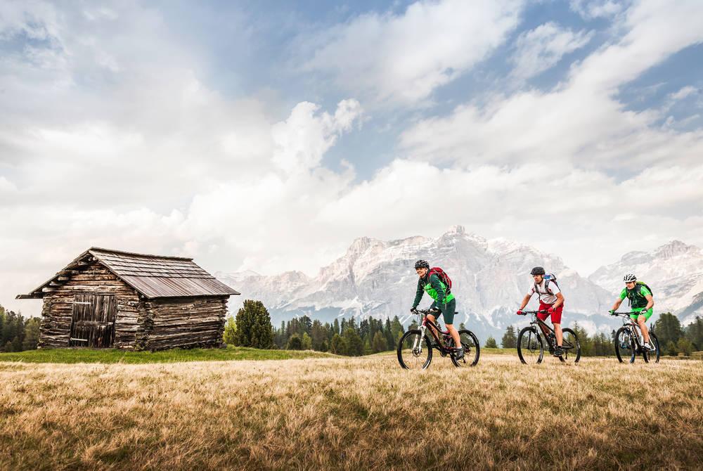Summer biking, Ciasa Salares