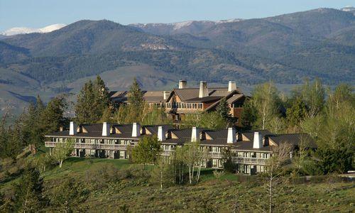 Sun Mountain Lodge