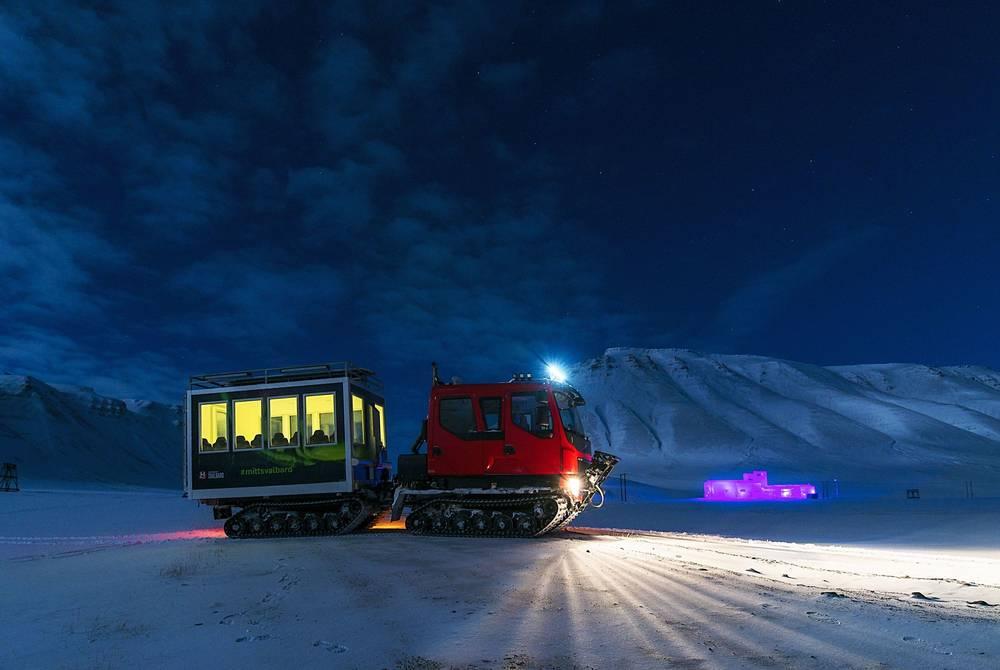 Snowcat excursion, Spitsbergen