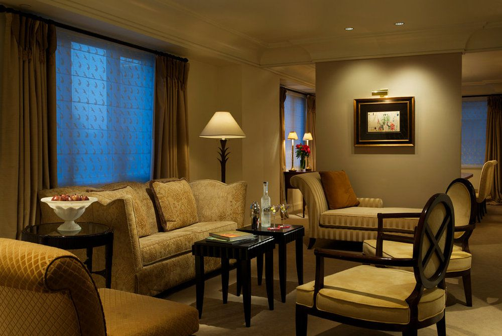 Taj Campton Place, luxury suite living room