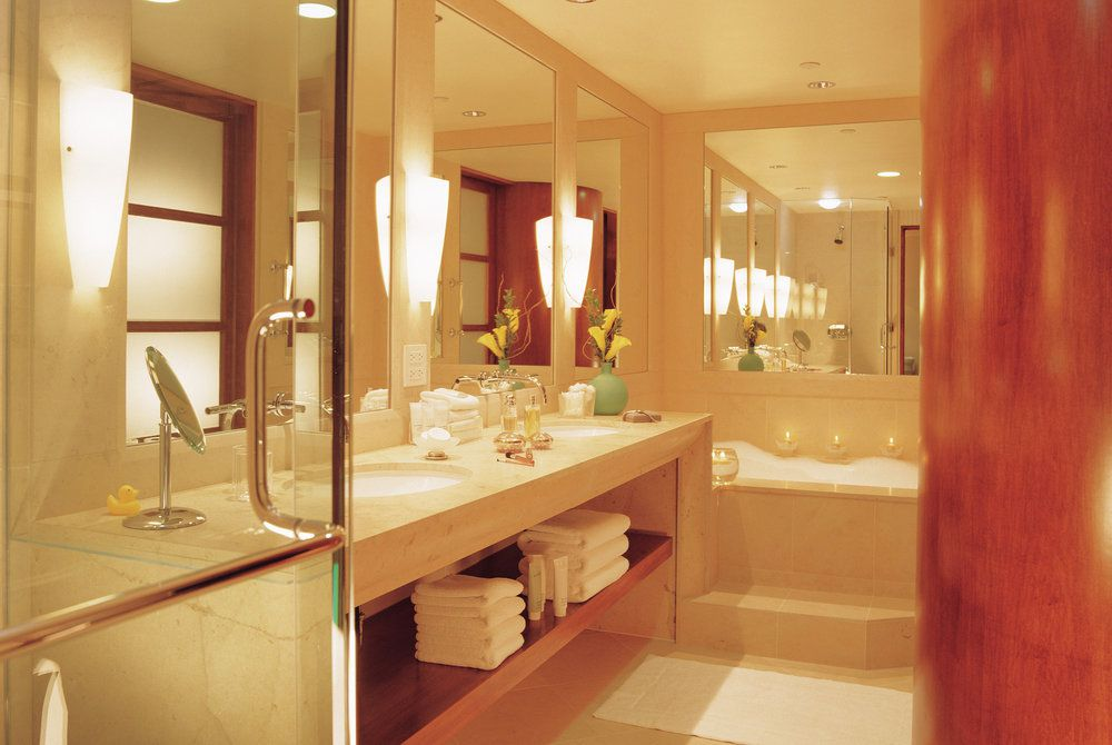 Taj Campton Place, bathroom
