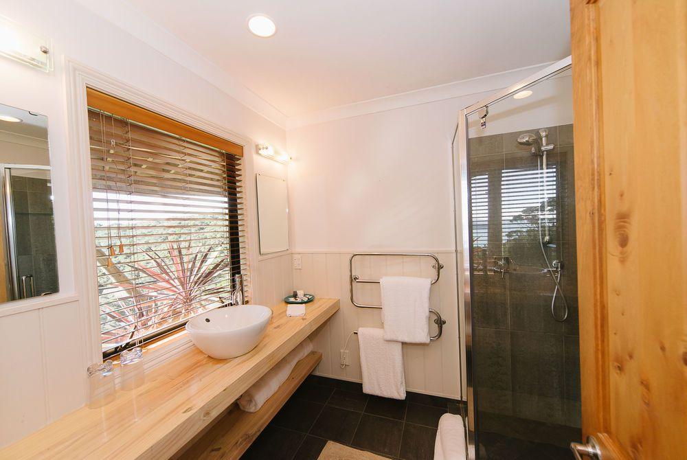 The Sanctuary guest toilet, New Zealand