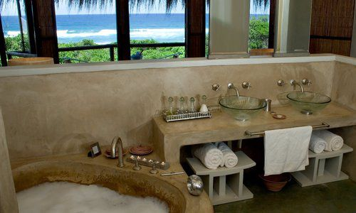 Thonga Bathroom, Thonga Beach Lodge, South Africa