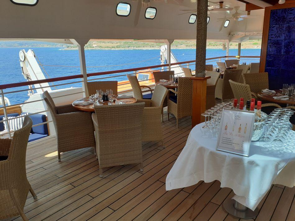 Topside Restaurant SeaDream Yacht Club