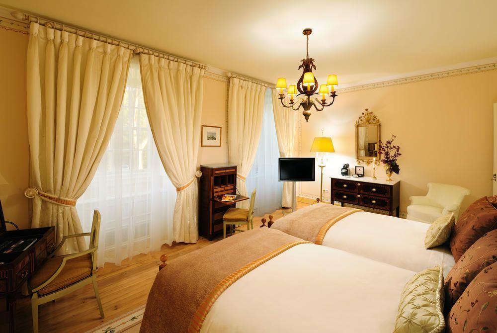 Twin superior room with garden view, beds, Tivoli Palácio de Seteais, Sintra