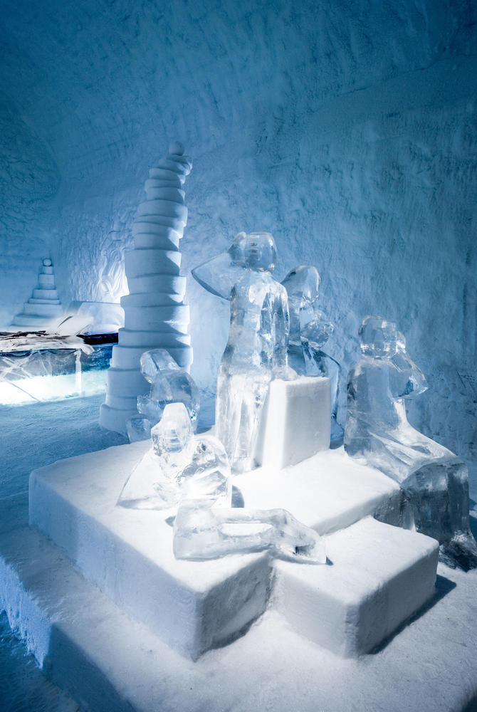 Twitter Deluxe Suite, ICEHOTEL 365 (© Asaf Kliger)