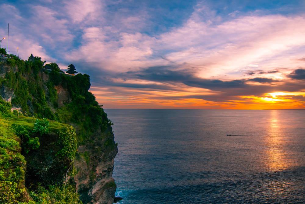 Uluwatu templeat sunset, Bali