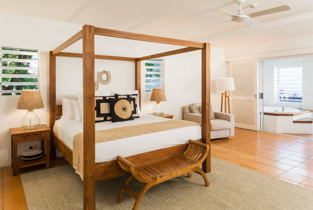 Verandah King Spa Suite Bed, Reef House, Palm Cove