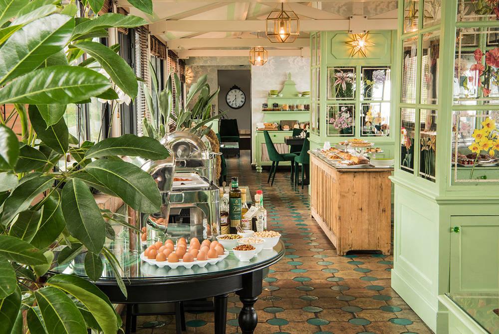 Villa Carlotta breakfast room