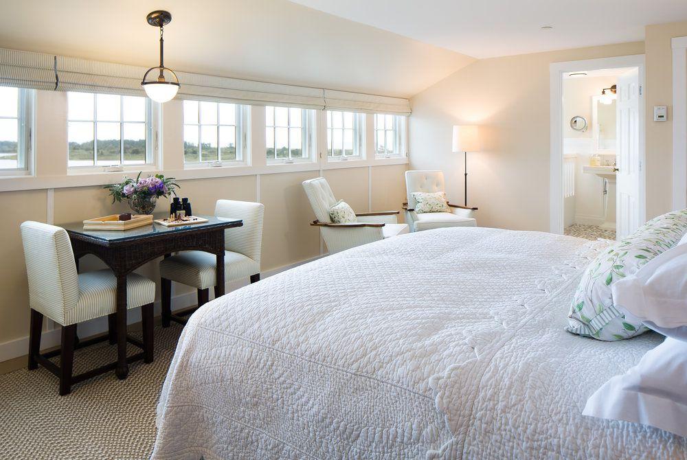 Weekapaug Inn, bedroom