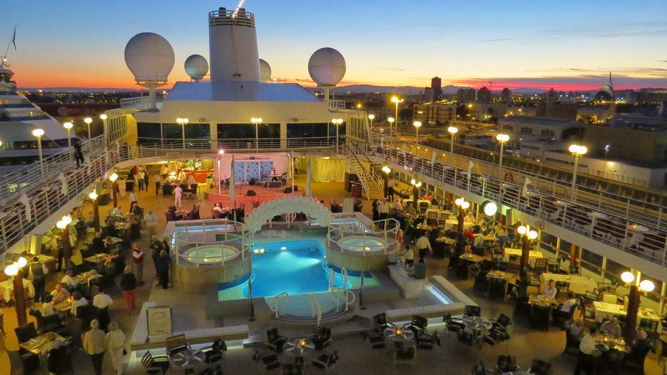 White Night - Azamara Club Cruises