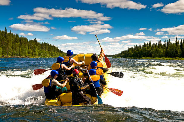 Whitewater rafting excursion with the ICEHOTEL in Swedish Lapland