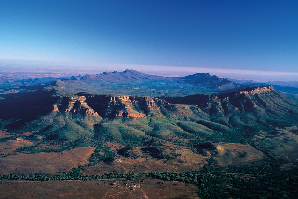 Wilpena Pound, Flinders Ranges National Park, Australia