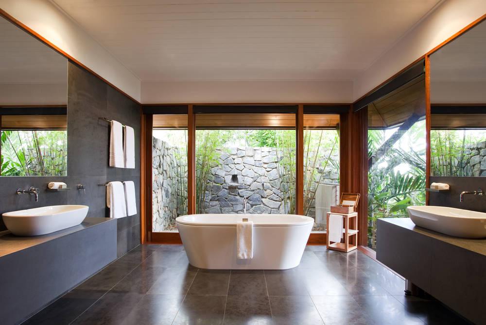 Windward Bathroom, Qualia, Hamilton Island