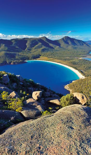 Wineglass Bay, Freycinet National Park in Tasmania