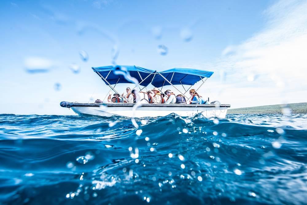 Yacht La Pinta, Galápagos