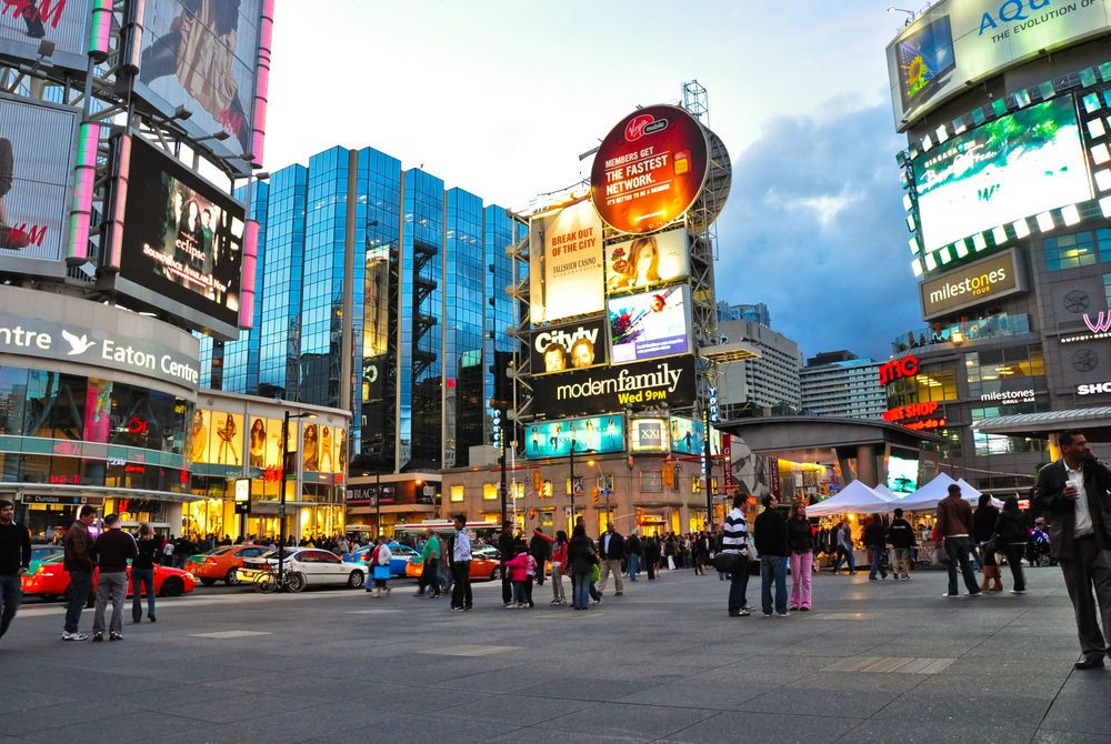 Yonge Dundas Square, Toronto, Canada