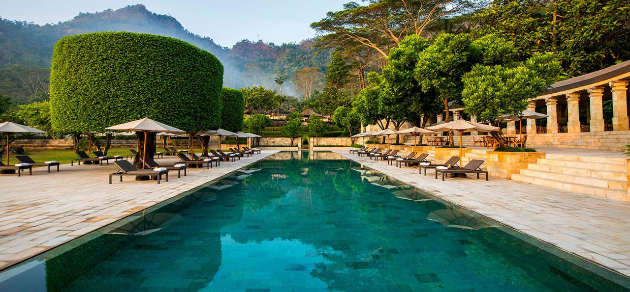 Amanjiwo pool