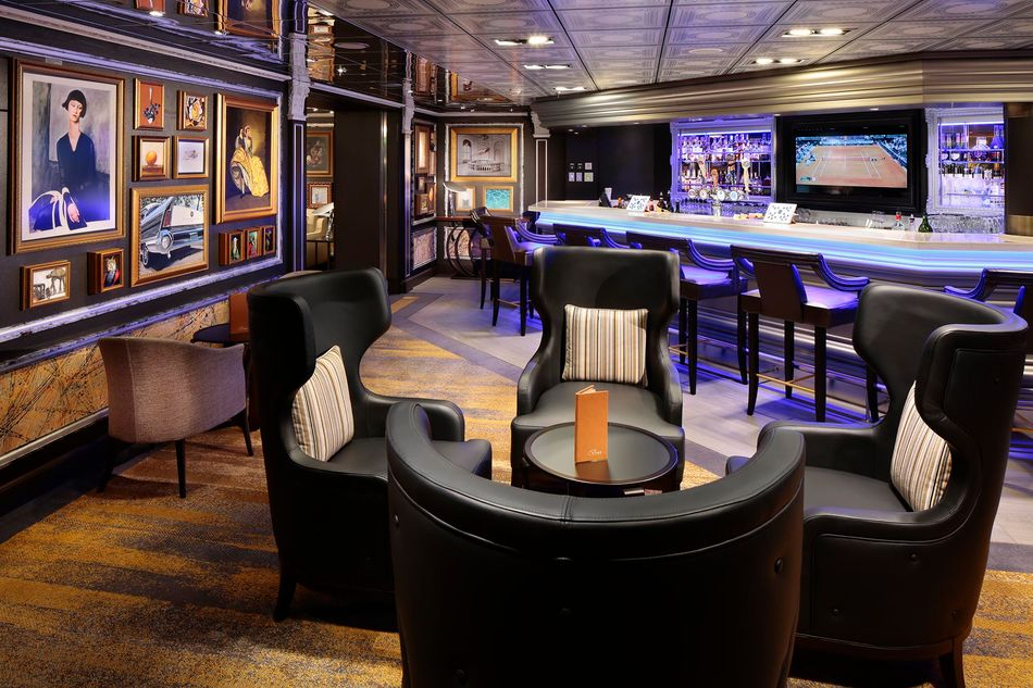 The new Gallery Bar on ms Westerdam