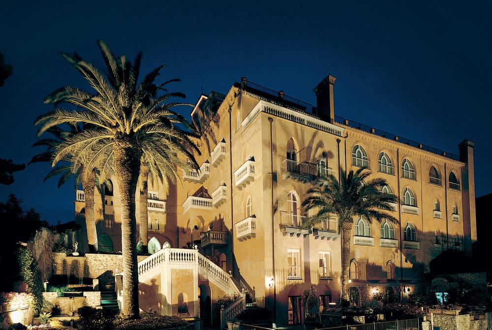 Palazzo Avino at night