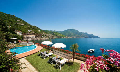 palazzo-avino-clubhouse-by-the-sea-swimming-pool
