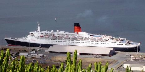 QE2 - Photo courtesy of www.chriscunard.com
